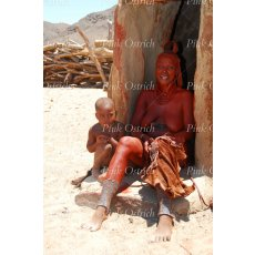 himba mother and child doorway